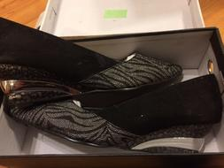 NEW WOMEN'S ANDIAMO BLACK AND SILVER  PUMPS HEELS SIZE 11 M
